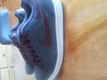 Womans Nike Air Shoes Size 7 in Ramstein, Germany
