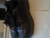 Black work shoes. With grip! in Ramstein, Germany