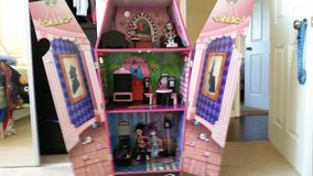 monster high doll house in Camp Pendleton, California