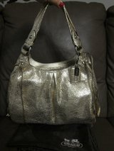 COACH Maggie Metallic Gold Crackled Rare  LIKE NEW Condition in Stuttgart, GE