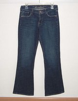 Old Navy Classic Rise Flare Jeans In Women's Size 4 Stretch in Chicago, Illinois