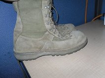 pre owened danner mens desert acadia tan leather upper combat boots size 9 ce 31 in Huntington Beach, California