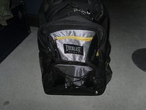 everlast sport black and yellow back packwith wheels and pull out handle cm 565 in Huntington Beach, California
