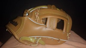 "Franklin 9"" T-ball Glove (T=2) in Fort Campbell, Kentucky"