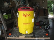 5 Gallon Igloo commercial water cooler in Cherry Point, North Carolina