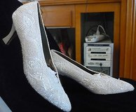 valerie stevens womens heels - white wedding shoes-7 1/2-valerie stevens in Yucca Valley, California