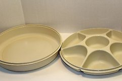 Tupperware Vintage Divided Round Covered Chip N' Dip Vegetable Tray in Joliet, Illinois