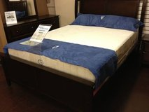 ____No Credit No Problem Queen 10' Memory Foam Mattress sets Floor Model Close Out in Fort Lewis, Washington
