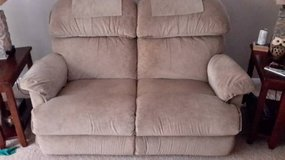 3 piece recliner set in Naperville, Illinois