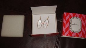 Stella & Dot clear and gold drop earring - NEW in St. Charles, Illinois