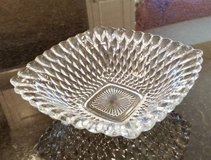 Bowl - Clear Glass - Pretty serving piece in Chicago, Illinois