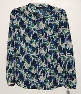 New Apt 9 l/s abstract smocked shoulder henley blouse womens sz small in Morris, Illinois