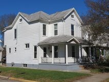 3BR, 2.5 BA rental w/2-car garage at 35 W Main in Wright-Patterson AFB, Ohio