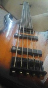 Tobias Toby Deluxe V 5 String Electric Bass Suburst in Fort Polk, Louisiana