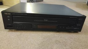 TEAC PD-D2610 5-Disc CD Player in Bartlett, Illinois