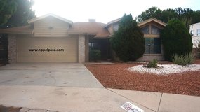 Beautiful Spacious 3 Bedroom w/ Pool! in Fort Bliss, Texas