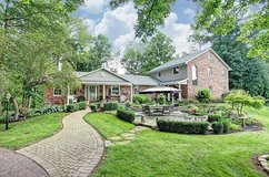 Elegant Country Living in Wright-Patterson AFB, Ohio