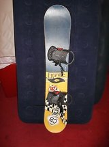 frantic snowboard 142 cm with killer loop bindings size medium 8086 in Huntington Beach, California