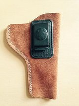 Bianchi IWB Leather Revolver Holster-Right Hand-size-6-Tan in Joliet, Illinois