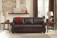 *** BRAND NEW *** ASHLEY TOP GRAIN LEATHER NAIL HEAD SOFA *** in Fort Campbell, Kentucky