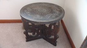 Vintage (Poss Antique) hand carved Chip Table in Morris, Illinois