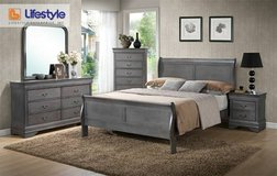 *** BRAND NEW *** QUEEN SOLID WOOD RUSTIC GREY GRAY BED SET *** in Fort Campbell, Kentucky