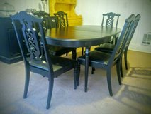 Gorgeous Dining Set w/6 Chairs & 3 Leaves in Fort Lewis, Washington