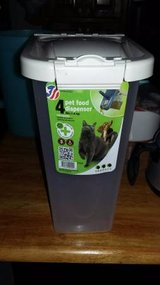 Van Ness Pureness Pet Food Storage Dispenser, 4-lb storage in Moody AFB, Georgia