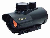 bsa 30mm red dot, 5 moa dot, rd30cp new nice in Pleasant View, Tennessee