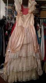 Party dress - Peach/off-white in Baytown, Texas