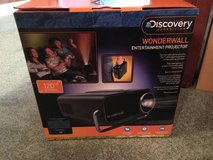 Discovery Expedition Wonderwall Entertainment Projector...New in Box in St. Charles, Illinois