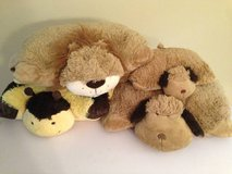 Set of 4 pillow pets in Wilmington, North Carolina