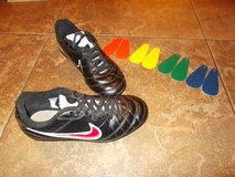 Nike soccer cleats 2.5Y. . .INTERCHANGEABLE COLORS in Baytown, Texas