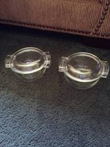 Pyrex clear casserole dishes w lid in Macon, Georgia