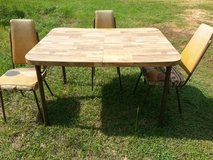 Kitchen Table & Chairs in Fort Rucker, Alabama