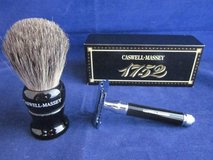CASWELL MASSEY Shaving Brush & Razor Set DE RAZOR BLACK ~ NEW in BOX in Naperville, Illinois