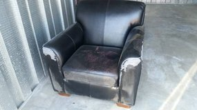 Super Comfortable Oversized Easy Chair - Very Clean in Travis AFB, California