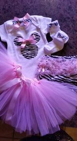 Baby girl's outfit---12 months... in Pasadena, Texas