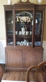 China Cabinet - Nice solid wood - Well built in Chicago, Illinois
