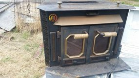 "Buck Stove w/built-in fan, ""Little Buck 26000 XY"" in Fairfield, California"