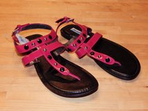 *REDUCED* ladies pink faux leather sandals thongs nwt size 6 1/2 6.5 in Aurora, Illinois