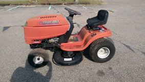 Troy Bilt 42 inch Riding Mower in Hinesville, Georgia