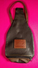 Wine Carrier Louis Dionne 750 ml Bottle Soft Faux Leather (T=41) in Fort Campbell, Kentucky