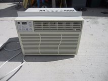 ge window air conditioner - ael06lqw1 - 6400 btu 115 volts 5.6 amperes 60379 in Huntington Beach, California