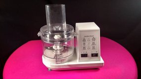VINTAGE HAMILTON BEACH FOOD PROCESSOR MOD. 702R. in Fort Campbell, Kentucky
