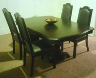 Contemporary Dining Set w/4 Upholstered Chairs in Fort Lewis, Washington