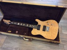 Like new Carvin TL60 Natural flame top guitar with tweed case in Camp Pendleton, California