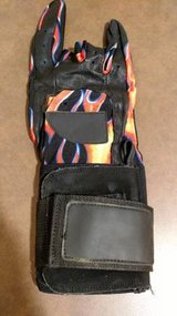 Right Hand Finger Tip Bowling Glove (T=26) in Fort Campbell, Kentucky