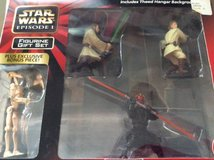 Star Wars Episode 1 Figurine Gift Set w/bonus piece in Westmont, Illinois