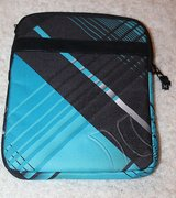 HURLEY Padded iPad/iPad2 Case, Turquoise & Black, Zip Closure, EUC in Bolingbrook, Illinois